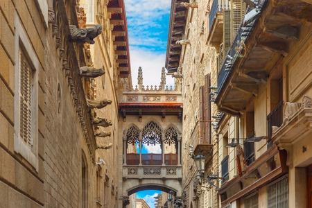 barcelona spain: Bridge Carrer del Bisbe in Barcelona Gothic quarter, Catalonia, Spain