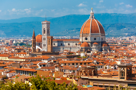 Duomo Santa Maria Del Fiore and Bargello in the morning from Piazzale Michelangelo in Florence, Tuscany, Italy 免版税图像 - 48323838
