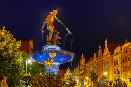 neptun: Long Market Street with Fountain of Neptune at night in Main City of Gdansk, Poland