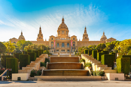 Spain square or Placa De Espanya during morning golden hour, with the National Museum, in Barcelona, Spain 免版税图像