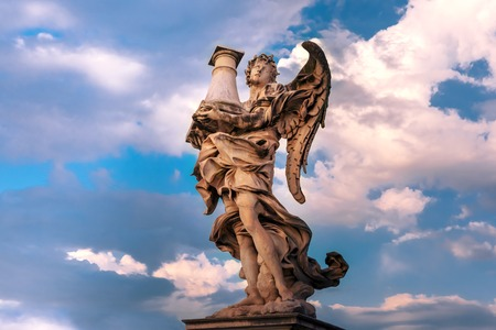 Marble statue of Angel with the Column at sunset, one of the ten angels on Saint Angel Bridge, symbols of Christs Passion, Rome, Italy Archivio Fotografico