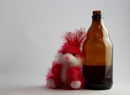 rabbit and beer Imagens