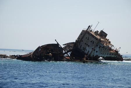 tiran: Russisch schip is gaan zitten op een bank tijdens de Tweede Wereldoorlog Island de Tyrant Charm-ale-sheikh Egypte