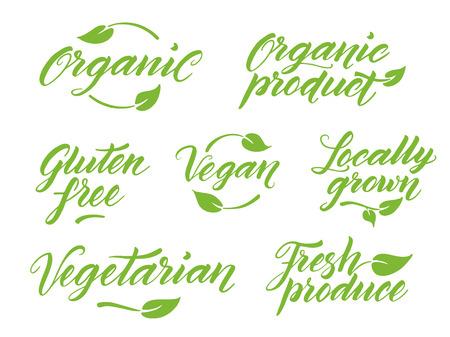 saludable logo: Dibujado a mano leyendas grabadas cepillo de alimentos saludables. Orgánico, producto orgánico, libre de gluten, vegano, cultivados localmente, vegetariano productos frescos. Etiqueta, logotipo de la plantilla aisladas sobre fondo blanco.