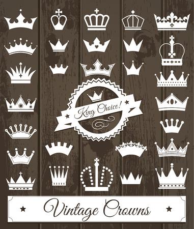 corona reina: Coronas establecen. Diseño plano. Ilustración vectorial de iconos sobre madera. Vectores