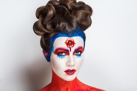 Schöne Mädchen Mit Kreativen Make-up Für Die Halloween-Party. Helle ...