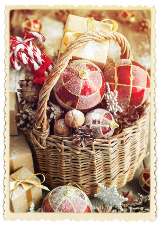 retro frame: Vintage Card with Retro Frame. Gifts in Christmas Composition with