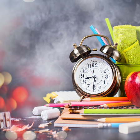 Chalk Text Back To School Alarm Clock Colored Chalk Pencil Apple Notebook Stationery on Blackboard Background Copy Space Supplies Top View Flat Lay Banner Concept Stok Fotoğraf