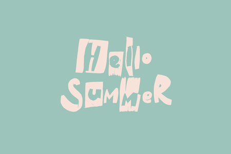 Phrase HELLO SUMMER hand made letters trance from banana tropical leaves toned in pink on turquoise Banque d'images