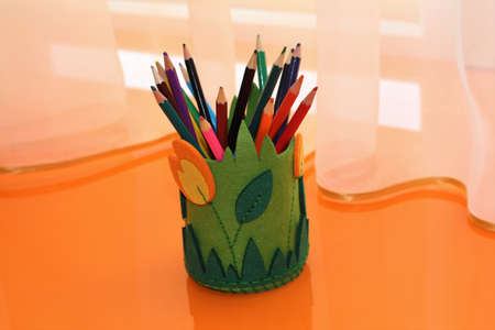 pencil holder made of felt with your own hands