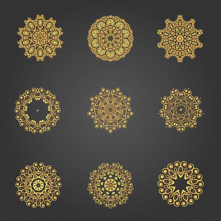 indische muster: Eine Gold-royal-Muster f�r die Karte oder Einladung eingestellt Illustration