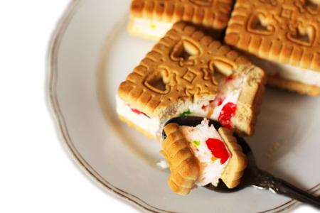 Panini con gelatina isolato su sfondo bianco, cibo dolce