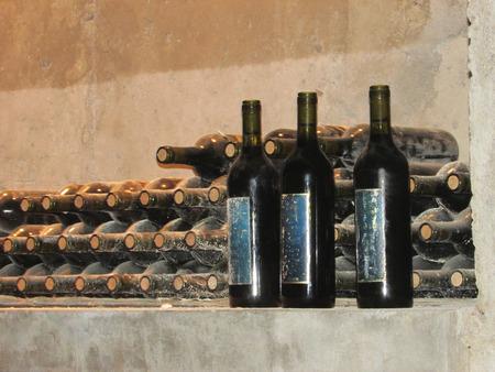 カサブランカ バレー ワイナリーでワイン ・ ボトル 写真素材