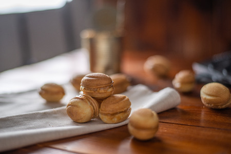 cookies in the form of a nut with boiled condensed milk, home baking Imagens