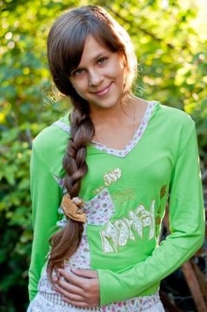 ni�a: La muchacha adolescente de la naturaleza