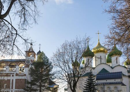 IGLESIA: Transfiguration Cathedral and belfry in St. Euthymius monastery in Suzdal. Golden Ring of Russia Travel