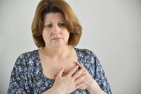 angor: Woman with pain in the chest, angina