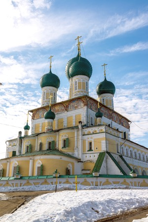 resurrecci�n: Catedral de la resurrecci�n en un Tutaev, Rusia. Viajes Golden Ring