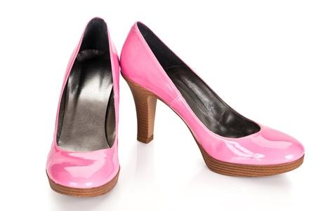 roze hoge hakken pompen schoenen op een witte achtergrond