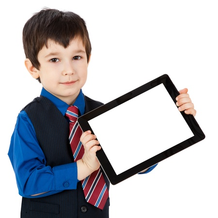 Portret kind met digitale tablet op een witte achtergrond