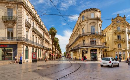 MONTPELLIER, FRANKRIJK - JULI 13: De straten van de oude stad op 13 juli 2014 in Montpellier.