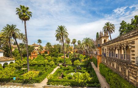 Sevilla, Spanje - juni, 2018: Alcazar paleis in Sevilla. Het Alcazar - voorbeeld van de Moorse architectuur in Spanje. Redactioneel