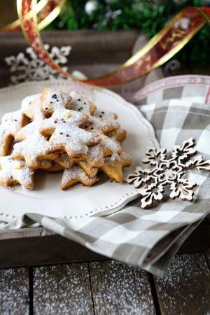 rustic food: rustic christmas gingerbread, food