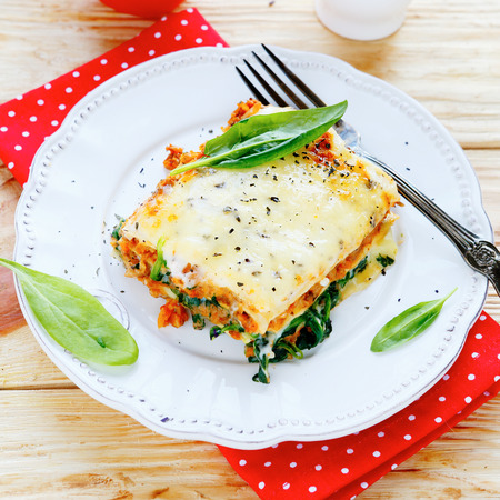 minced beef: lasagna with spinach and mushroom stuffing, food