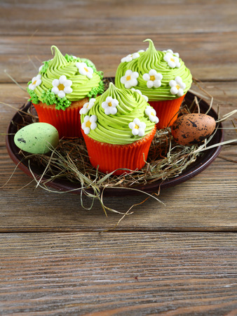 festive food: spring cupcakes for the holiday, festive food
