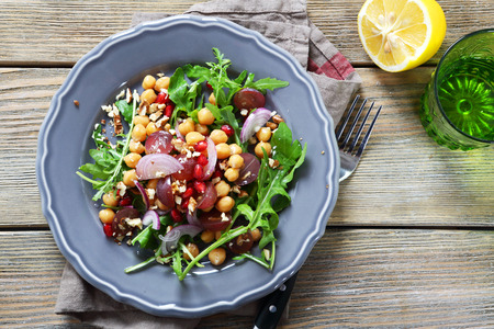 Salad with chickpeas, arugula