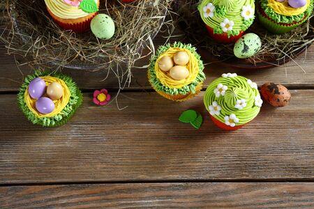 treats: Golosinas de Pascua, pastelitos vista superior, alimento blanco