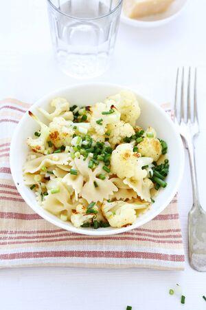 pastas: nutritivo pastas con la coliflor