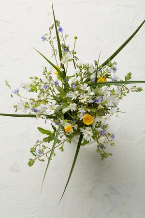 petites fleurs: Petites fleurs en bouquet d'été Banque d'images