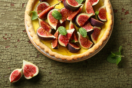 Tart with fresh figs, food above