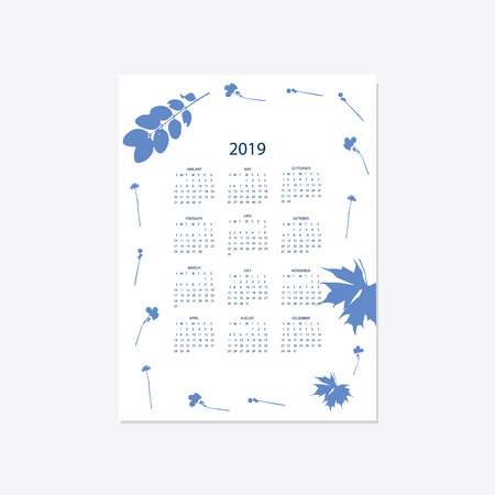 Calendar 2019. Stock vector. Floral bright 2019 calendar. Flower decorative elegant calendar style cyanotype. Imagens - 112410098