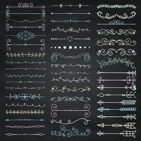 Set hand getrokken Doodle ontwerpelementen. Decoratieve Bloemen Verdelers, Arrows, wervelingen, Scrolls. Krijttekening Vintage vector illustratie. Schoolbord textuur.