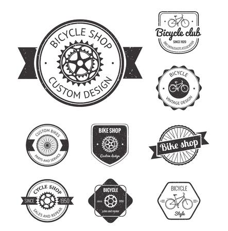 in chains: Conjunto de insignias y etiquetas de bicicletas hecho en vector Vectores