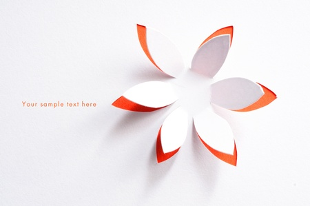 concepto: Tarjeta de felicitación poco con flores de papel Foto de archivo