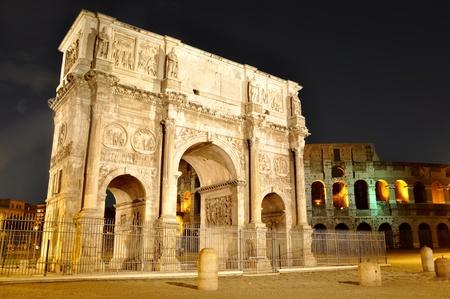 constantine: Arch of Constantine near the Colosseum  Arco di Costantino  night view Stock Photo