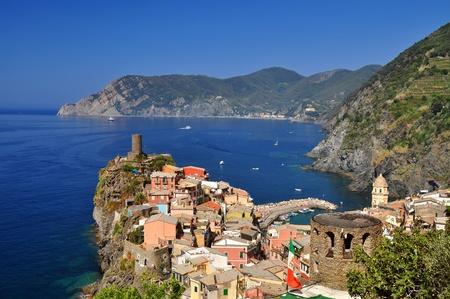 paisaje mediterraneo: Pueblo de Vernazza, Cinque Terre, Italia