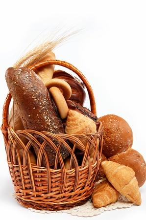 新鮮麵包的籃子完全隔離。