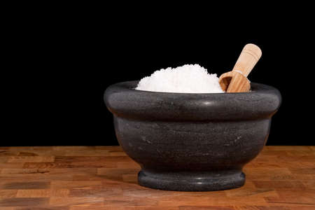 sel: Mortar with salt, fleur de sel Stock Photo