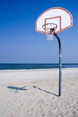 estola: playa de baloncesto