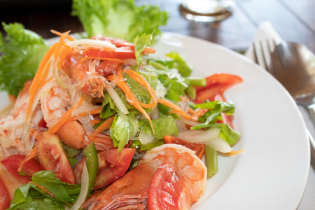 Glass Noodle Salads with Prawns, Tomatoes and Coriander