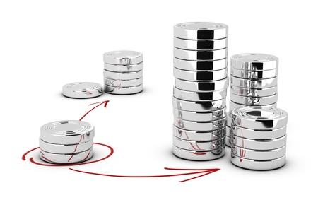 錢: 仿製硬幣堆在白色背景與箭頭指向的錢投資最高的堆概念圖 版權商用圖片