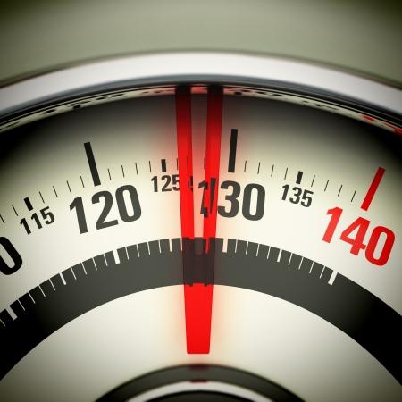 obesidad: Vista Báscula de baño de arriba con la aguja hacia 130 Kg Foto de archivo