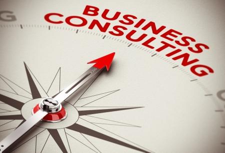 rot: Realistische Konzept der strategischen Geschäfts Kompass Nadel zeigt das rote Wort Nehmensberatung über einen Papierhintergrund Lizenzfreie Bilder