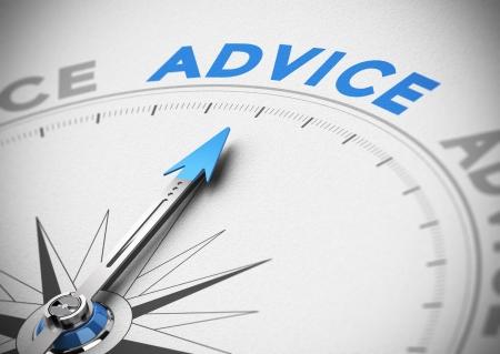 Brújula con aguja apuntando hacia el concepto palabra de consejo consultor de negocios, tonos azules y beige, efecto de desenfoque con enfoque en el texto principal