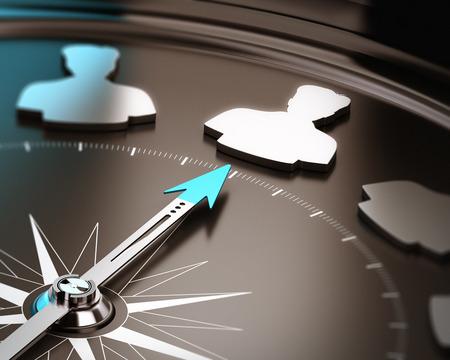 Recrutement ou l'embauche aiguille concept de candidat qualifié Compass pointant un symbole de talent sur un fond brun et bleu avec un accent et effet de flou Banque d'images