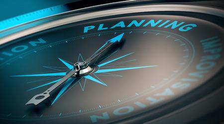Brújula con aguja apuntando hacia la planificación de la palabra, concepto de imagen para ilustrar el plan y la estrategia de negocio.
